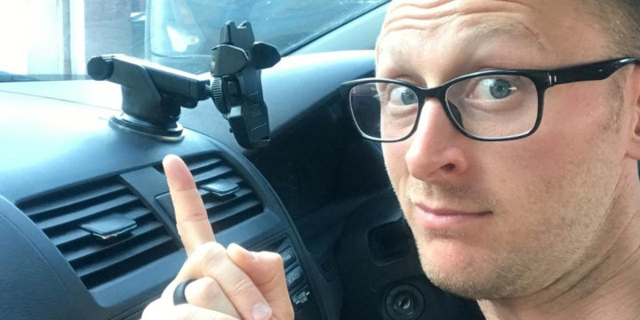 iOttie Easy One Touch Car Mount for Smartphones – [LONG TERM REVIEW] – Did It DAMAGE My Car Dash?